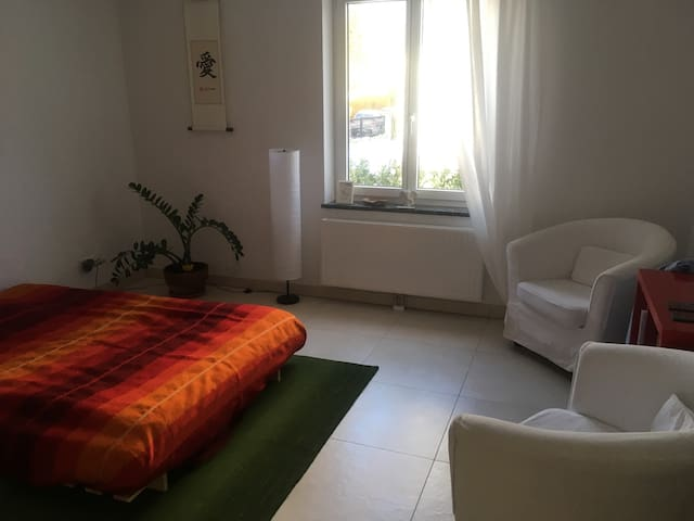 Quiet+cosy room: 15min to Marienplatz + fair