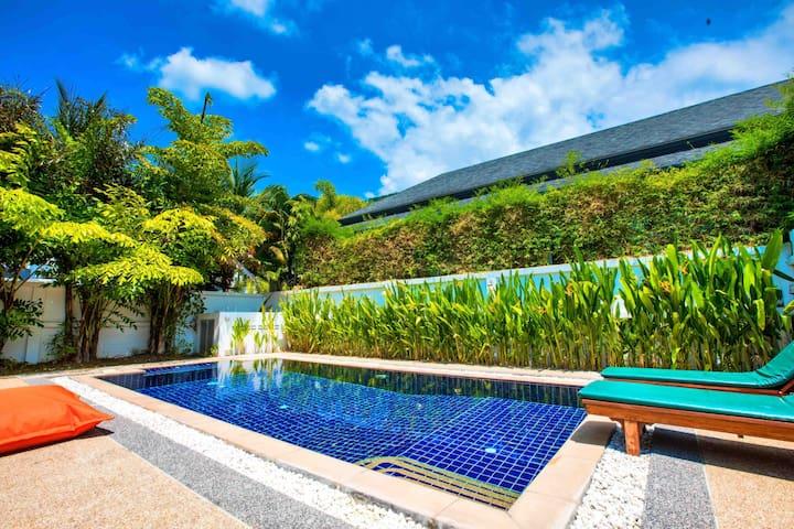 Big garden pool 走路到海滩三卧大泳池别墅