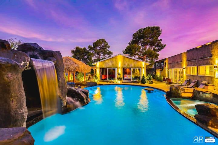 Amenities Galore 12BD/12BA Mansion in Las Vegas!