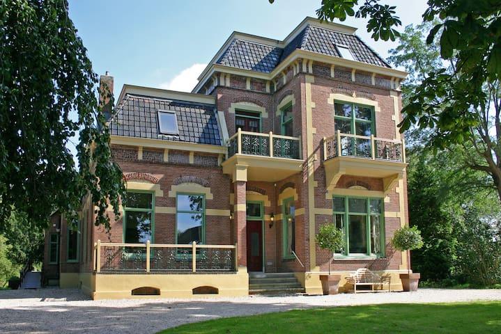 Huize Tergast***** 24 personen, wellness, bioscoop - Gasselternijveen - House