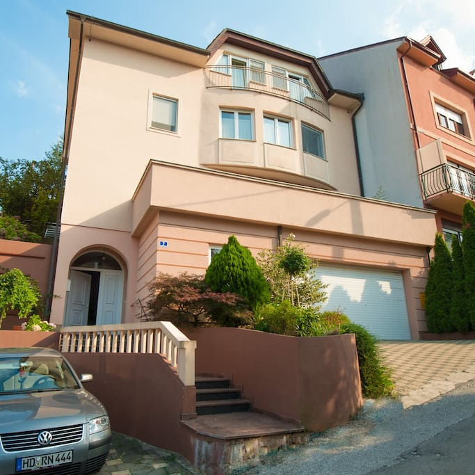The apartment is situated on the floor with the terrace
