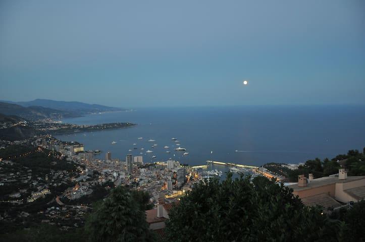 Unique view of F1 track!!  ... sea & Monte Carlo - La Turbie - Apartemen