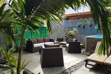 Lounge Garden w/pool, 2 min from the beach