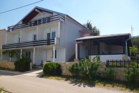 Pension Casa Lavanda , Karin Gornji - Zara