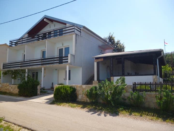 Haus Casa Lavanda, B&B , Karin Gornji