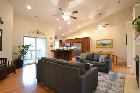 The Falcon (6 bd/4 ba) - Where together is better