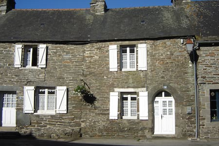 Traditional french cottage - Gouarec, Cotes D'armor, Brittany