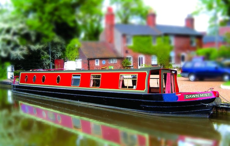 Luxury narrow boat hire. 3 nights min. 6-8 guests. - Tamworth - Vaixell