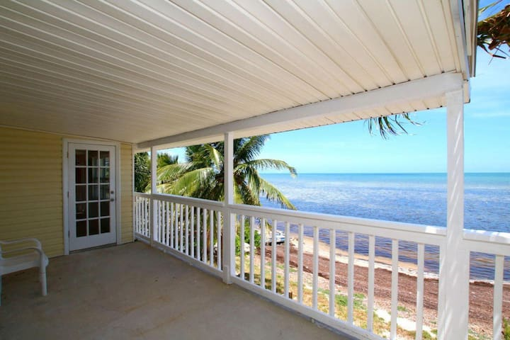 OCEANFRONT KEYS BEACH HOME & POOL + 3 VILLAS! - Marathon - Huis