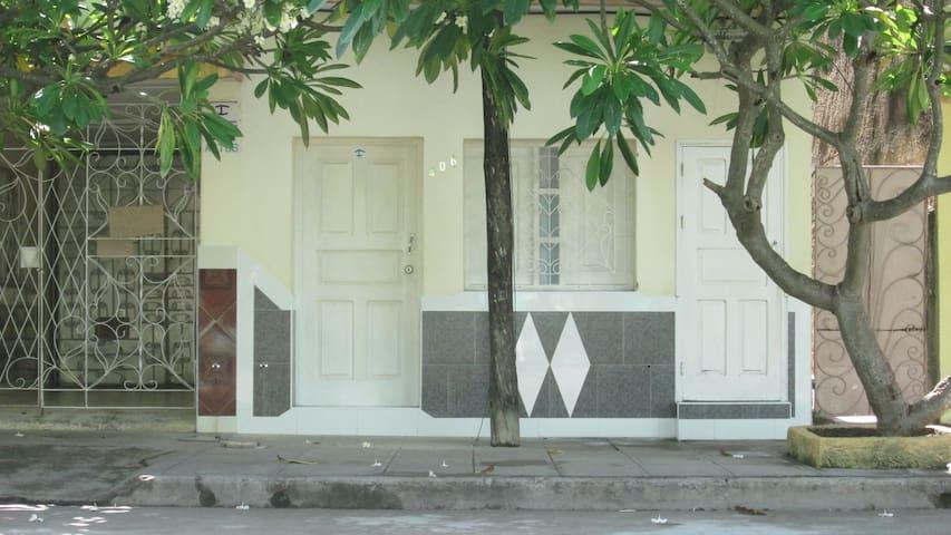 Casa Arturo y Xiomara / Casa # 3 / Aloj. entero
