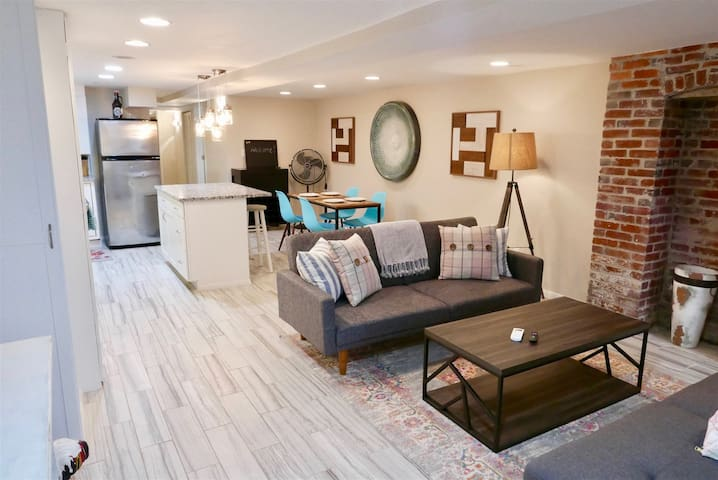 Exclusive Apt in Shaw - Steps 2 shops/restaurants!