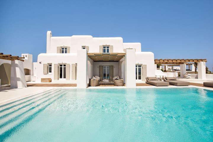 Villa Zircon