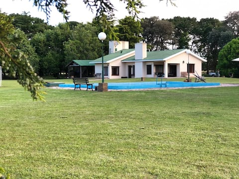 Casa de Campo for 11 people   15 min from TANDIL