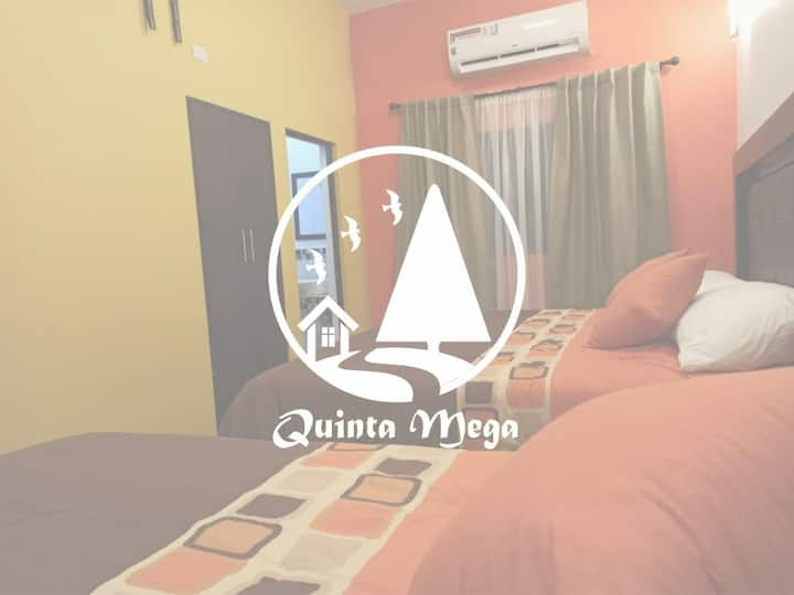 Quinta Mega