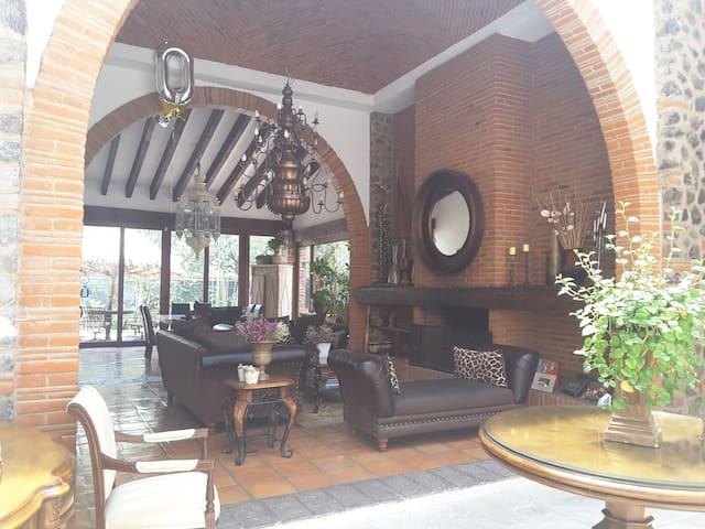 Casa Juriqueña