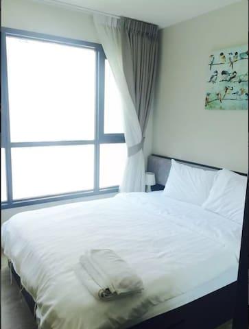 卧室窗外是芭提亚海湾