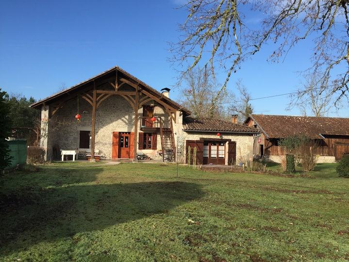 舒适宁静的乡村世外桃源,三个独立房间,私家游泳池及花园皆是你的独享!