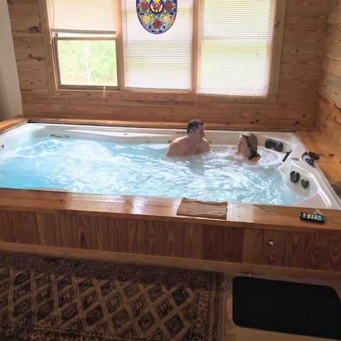 30% off - 3 BR Cabin INDOOR Pool/Sauna YOURS ONLY