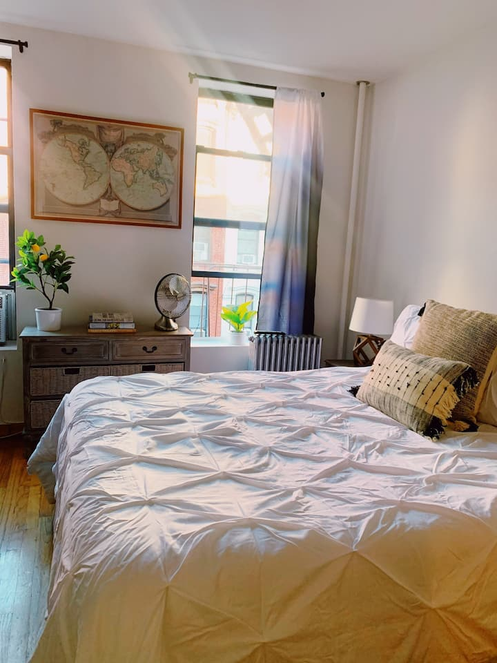 Perfect WFH or Staycation in the LES!