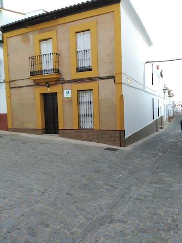 Casa alquiler Sierra de Huelva (Encinasola) - Encinasola - House