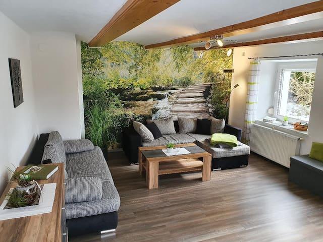 Ferienwohnung Dersch (Mauth), moderne Ferienwohnung (70qm) für 4 Personen mit großen Garten