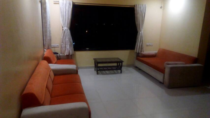 Be my Guest! A home that's easy on your wallet! - Surat - Apartamento
