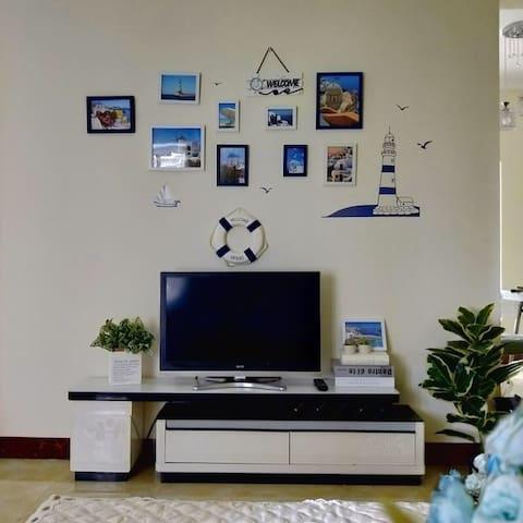 银滩,侨港风情街,万达,地中海主题简约2居室(锦鲤之家)