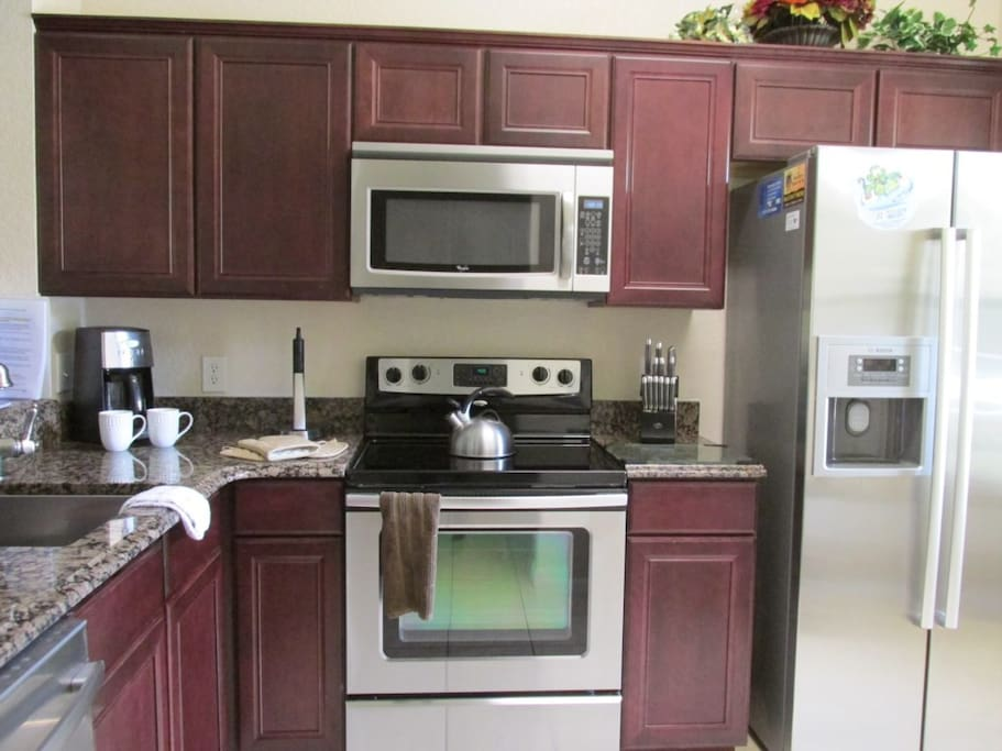 Sweet Home Vacation Disney Rentals Vacation Homes Florida Orlando Regal Palms Resort & Spa (Kitchen).
