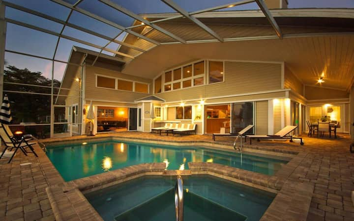 *** NEW LISTING *** Grand Water Views Pool Home