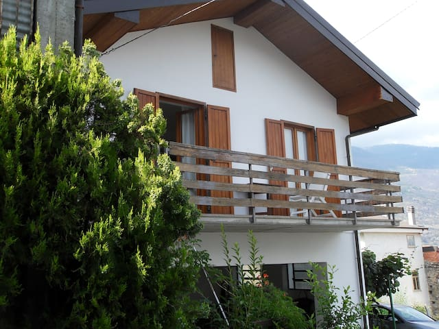 Grazioso cottage con vista sulla Valsusa