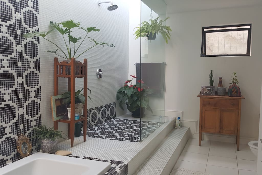 Bathroom (On-Suite)