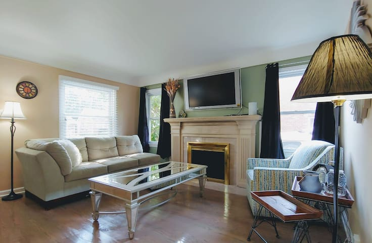 Large 3 bedroom Private Home