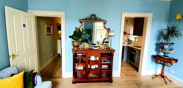 Stylish apartment in the heart of Melrose Scotland