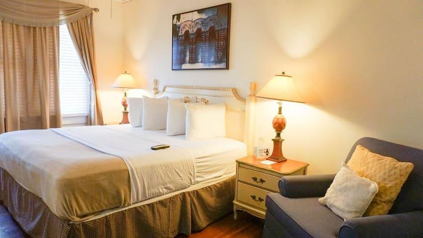 Putnam Lodge - #24 The Pine Room