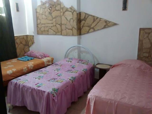 Casa Don Pedro, Mochileros en Santiago de Cuba