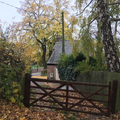 Hideaway Cottage, East Langton