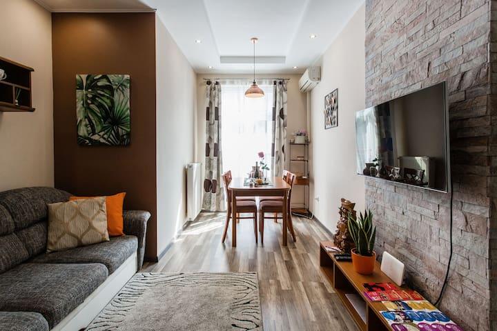 Comfortable stay, modern design 2BR near BROADWAY