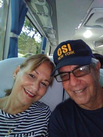 María y Tony