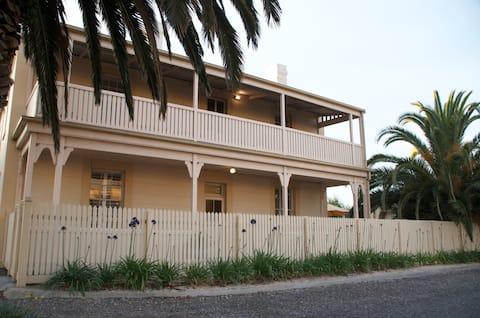 Luxurious heritage in Victor Harbor