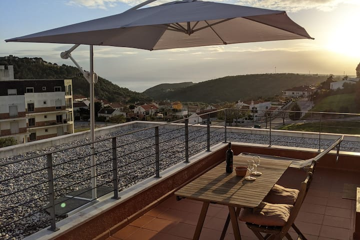 Sesimbra 3BDR Apartment W/Terrace by LovelyStay