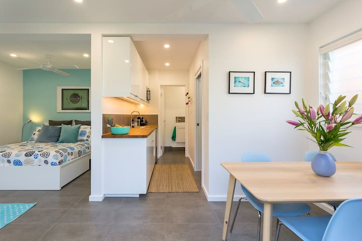 Studio with pool near City, Gabba, Tennis, UQ