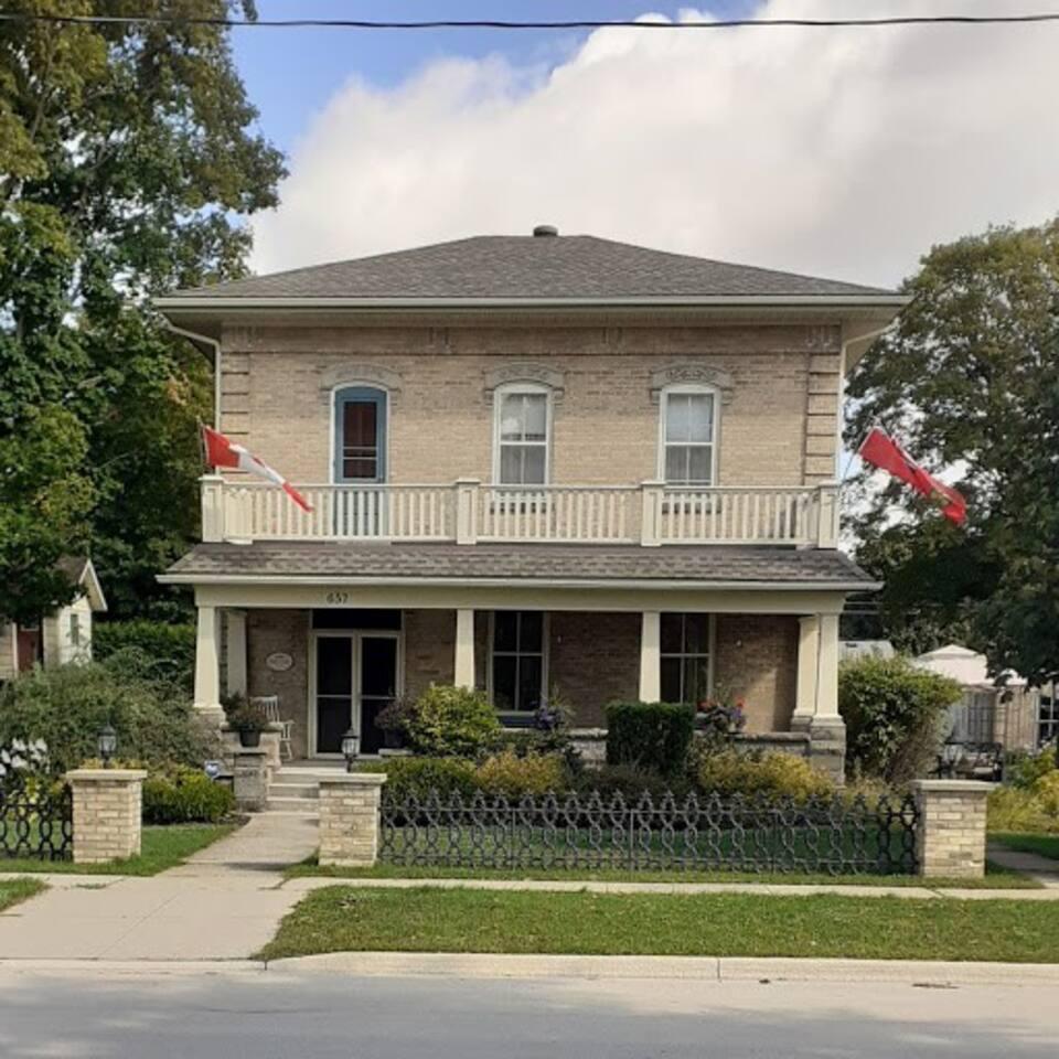 The George House B&B