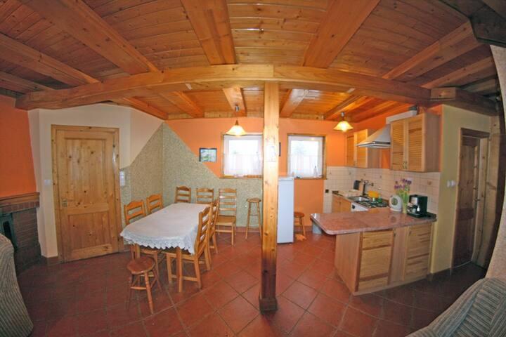 Górska chata na Malinowej.