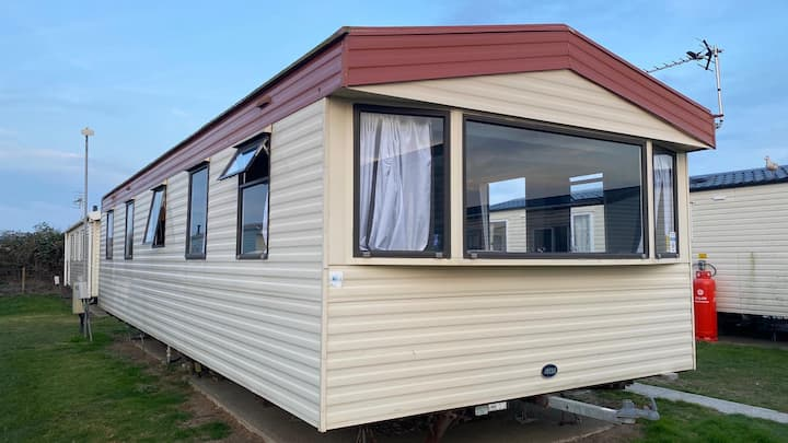 Caravan to rent situated in beautiful Camber Sands