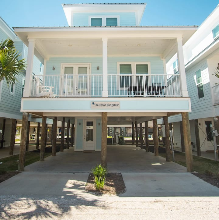 NEW Lux Home w Pool/Dual King suites/1 min to sand