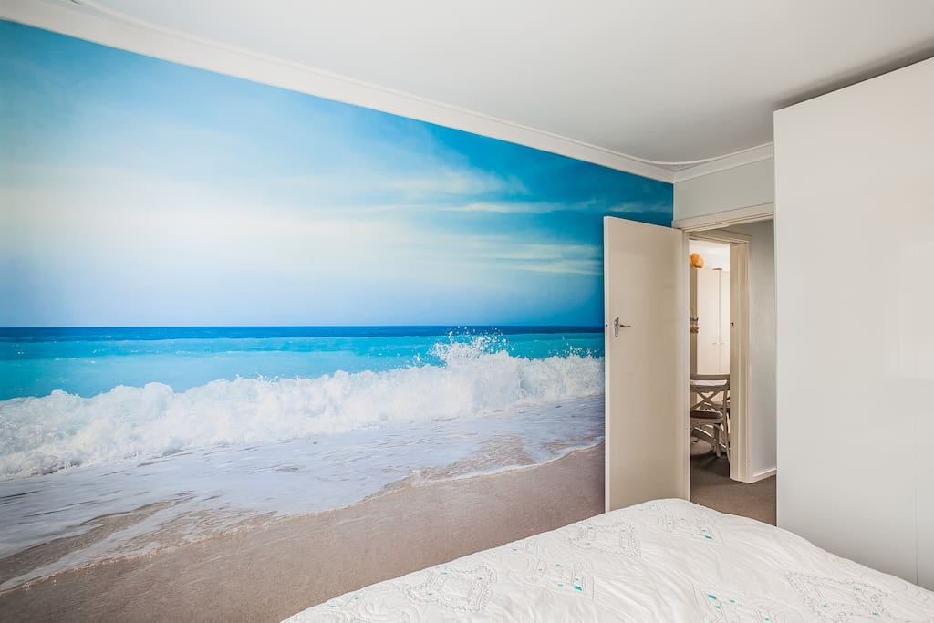 Main Bedroom with Queen Bed - yes its a mural!