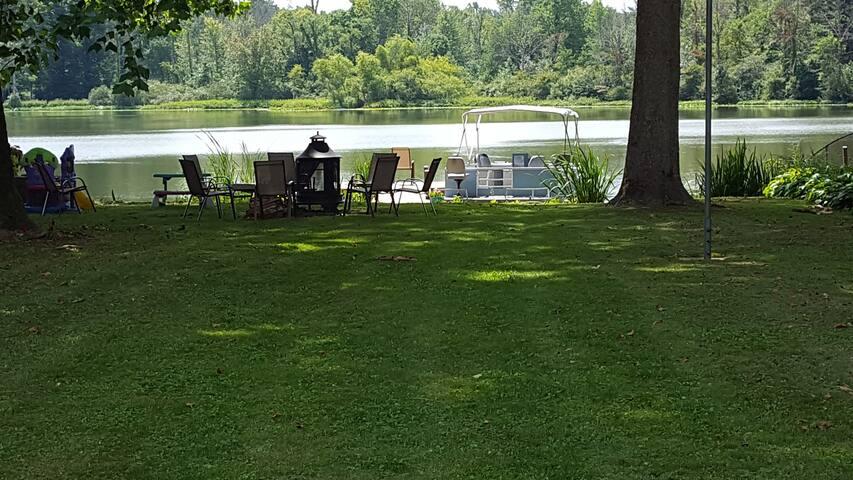 Sister Lakes 3br 2ba Home on Jarvis Lake
