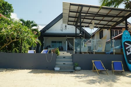 Newly Renovated Beach front Villa