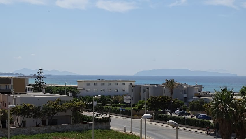 mare di ponente (apartment with parking space)