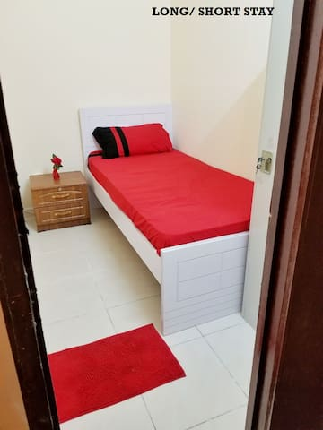 .SHARING FLAT BUT NOT SHARING ROOM HOSTEL STYLE!
